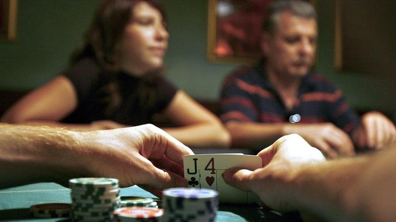 Flash Poker Oyunu ve Çeşitli Nitelikler